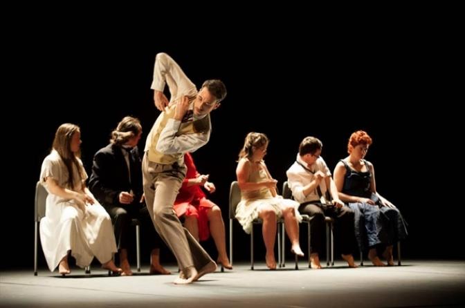 'Danza a Escena' recala este fin de semana en Albacete, Casas Ibáñez, Almansa y Caudete con las obras 'Mesa para Tr3s' y 'El jardín secreto'