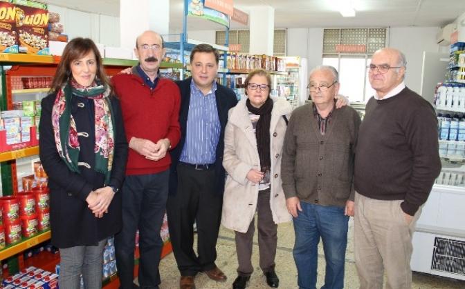 El economato de Cáritas Albacete hace algo más fácil la vida a casi 400 familias