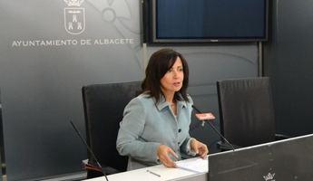 """Carmen Oliver (PSOE) acusa a la alcaldesa de Albacete de no tener """"compromiso"""" con la ciudad"""