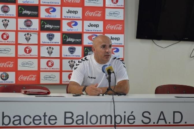 Sampedro hará cambios en el once del Albacete para recibir al Numancia