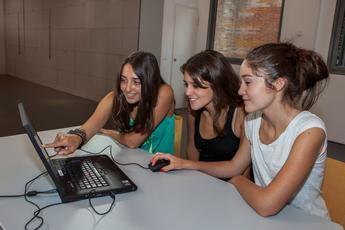 """La Fundación """"la Caixa"""" pone a disposición de los centros educativos un programa de competencia mediática y pensamiento crítico"""