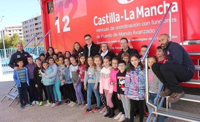 El 112 enseña el uso del teléfono de emergencias en el Colegio de Infantil y Primaria 'San Antón' de Albacete