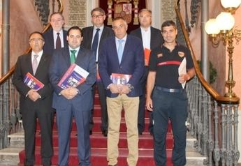 El presidente de la Diputación presentó la Guía de Intervención en Accidentes de Tráfico en la provincia de Albacete