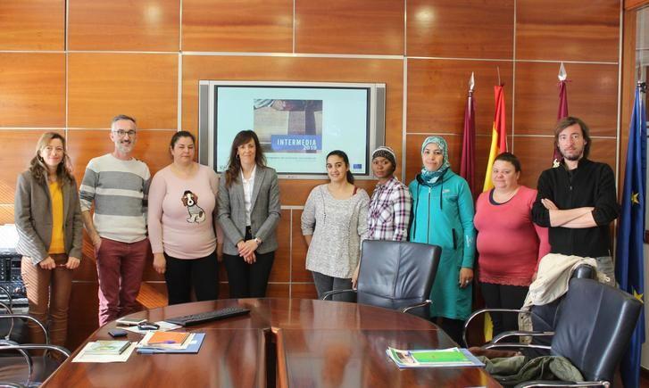 """El programa """"Intermedia"""" apoya la integración laboral mediante prácticas en empresas de Albacete"""