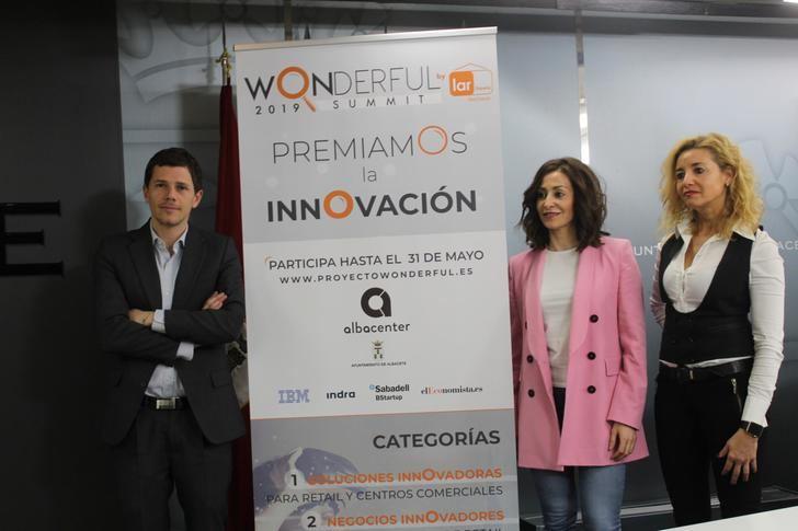 """El Ayuntamiento de Albacete y el centro comercial """"Albacenter"""" inician la III edición del proyecto """"Wonderful"""""""