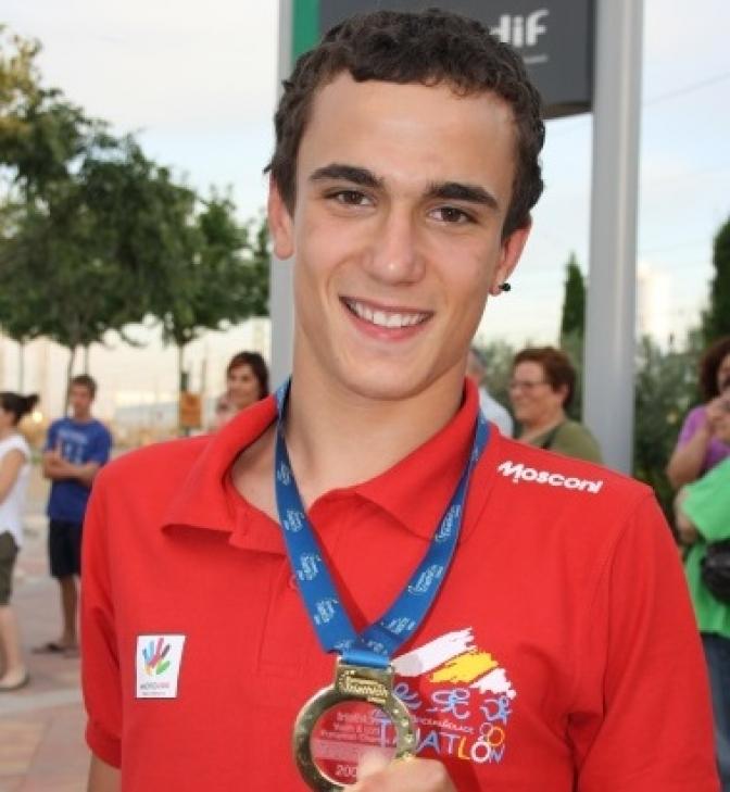 La piscina de La Roda podría denominarse David Castro