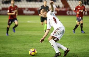 El Albacete, que acabó con dos expulsados, empató en un partido vibrante ante Osasuna (2-2)