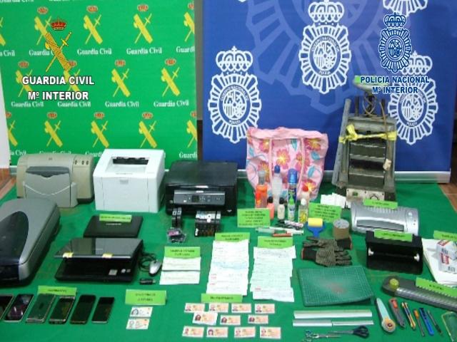 Desmantelada una red especializada en sustracción y falsificación de pagarés y cheques falsos en Castilla-La Mancha