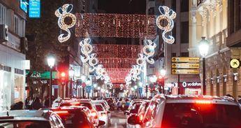 Mas de 30 calles ya lucen en Albacete su iluminación de Navidad