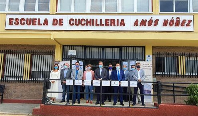 La Escuela de Cuchillería de Albacete celebra sus 20 años de existencia