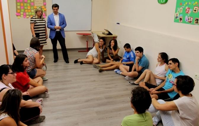 """Cuenca destaca el trabajo de Acmil para conseguir """"una verdadera integración social, laboral y educativa"""" de las personas con discapacidad intelectual ligera"""