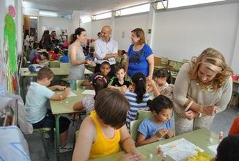 El proyecto 'Koala' permite la contratación de siete mujeres y la atención a más de cien menores durante las vacaciones escolares