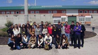 Alumnos de Derecho de Albacete visitan el centro penitenciario Madrid VII
