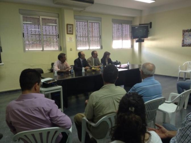 Federico Pozuelo, visita junto al alcalde de Hellín, Manuel Mínguez, la cooperativa Santiago Apostol de Isso