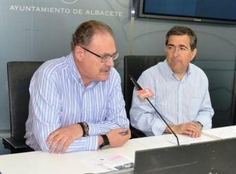 El PSOE exige a la alcaldesa que cese a la  funcionaria que promocionó y para la que la Fiscalía pide 9 años y medio de cárcel por el caso 'Guateque'