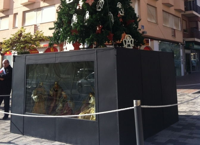 La Roda también estrena el alumbrado navideño antes del puente de la Constitución