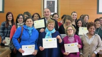 Clausura de los cursos de operaciones básicas de cocina y de industrias agroalimentarias, en Villarrobledo