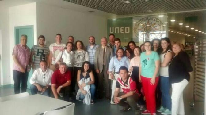 Visita de los alumnos de la UNED de Albacete a varios edificios educativos en Madrid