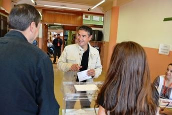 El socialista Manuel González Ramos votó en el instituto Diego de Siloé