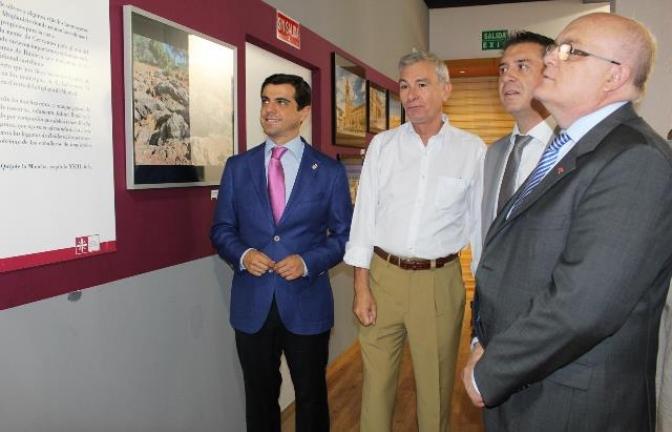 Inaugurada la exposición 'Recorriendo Albacete, imágenes de nuestra provincia', en el Recinto Ferial