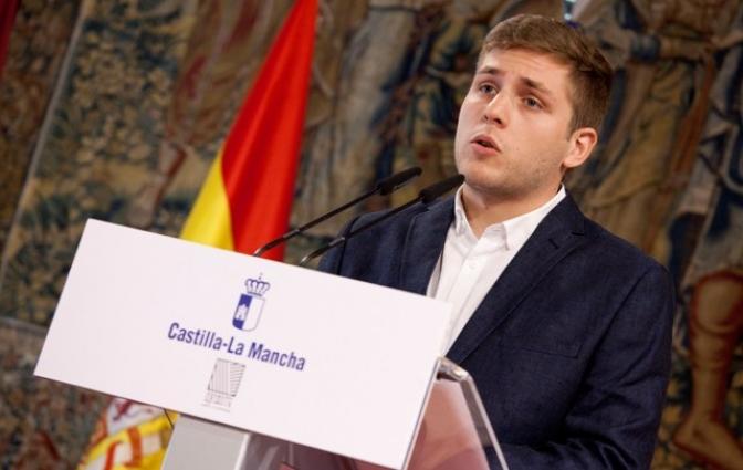 La Junta gastará 15 millones de euros en contratar 400 profesores más este curso escolar