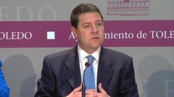 """García-Page: """"Están cerrando plantas y camas en los hospitales y mandan a la gente a 300 kilómetros para que alguien haga negocio"""""""