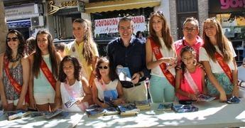 Reina y Damas de 2014 abren el reparto del programa de mano de las Fiestas Patronales de La Roda