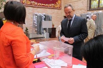 El delegado del Gobierno, Jesús Labrador, ejerció su derecho en Toledo