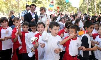 Casi 500 niños de Albacete participan en la campaña de Manos Unidos 'Rodea el parque'