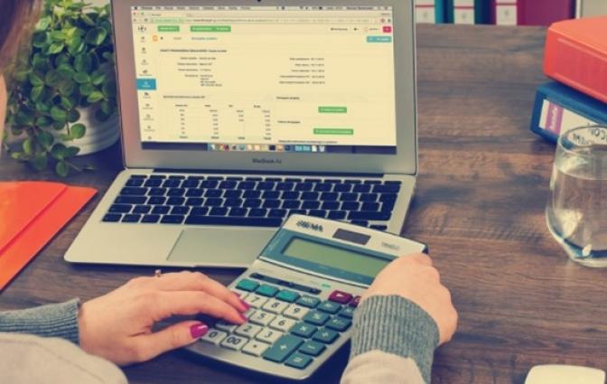 ¿Cómo ahorrar tiempo con un programa de facturación?