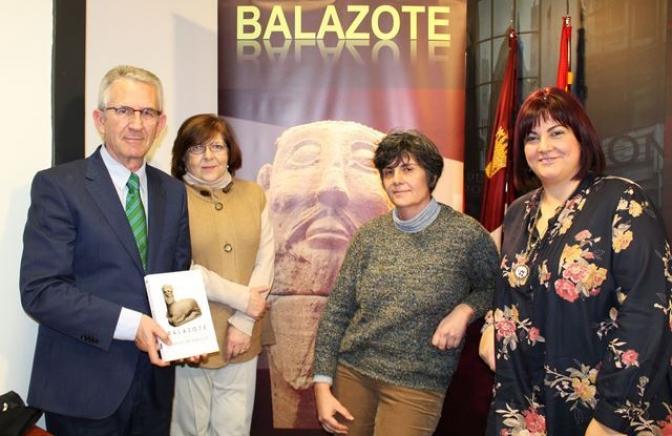 Presentado el libro 'Balazote en el Camino de Hércules', que encierra la historia de su época antigua y medieval