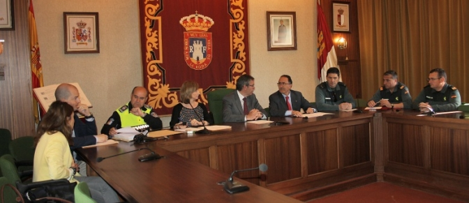 Reunida la Junta de Seguridad de La Roda para la coordinación de dispositivos de las romerías de la Virgen y San Isidro, Fiestas Patronales y campaña estival