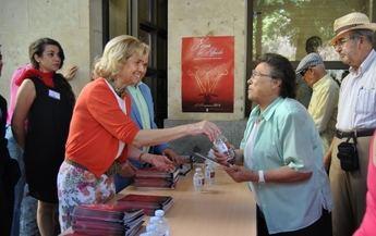 La presentación y reparto del Programa de Feria 2014, preámbulo de la fiestas de Albacete