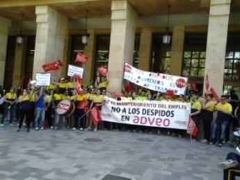 Los grupos políticos del Ayuntamiento mostraron su apoyo a los trabajadores de Adveo afectados por un ERE