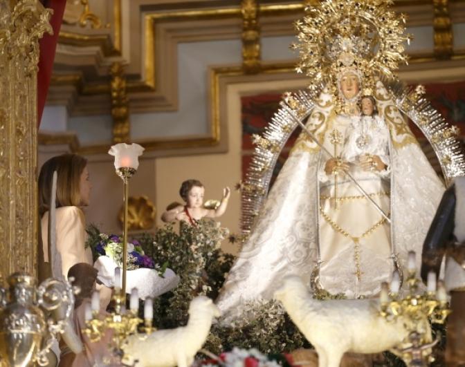 María Dolores Cospedal visita el Santuario de Nuestra Señora de Cortes
