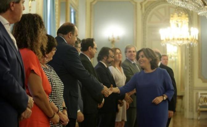 La Junta de Castilla-La Mancha anuncia una oferta pública de 8.500 plazas en Educación y Sanidad en los próximos dos años