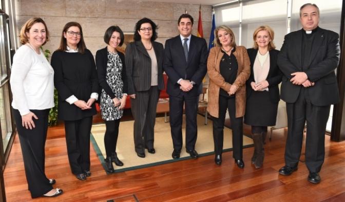 Manuel Caballero, Vanessa Veiga y Pilar Allúe se incorporan al jurado de las Medallas al Mérito en la Iniciativa Social de la Junta