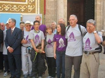 Enfermos de Párkinson llegan a Santiago tras recorrer 109 kilómetros del Camino para sensibilizar sobre la enfermedad