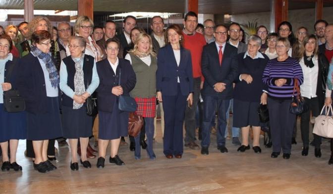 El Gobierno regional apoya la formación de profesionales que va a impartir la asociación de centros de mayores ACESCAM