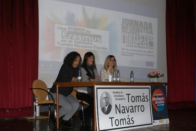 María Gil asiste a las jornadas informativas sobre proyectos europeos en el IES Tomás Navarro