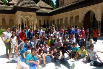 Los alumnos del programa Estalmat 'reconstruyen' los mosaicos de la Alhambra