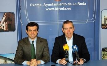 El delegado de la Junta presentó en La Roda el programa Empresa-Empleo