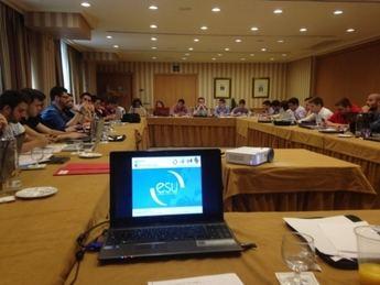 El delegado de Estudiantes de la Universidad regional participa en la asamblea general de la CREUP