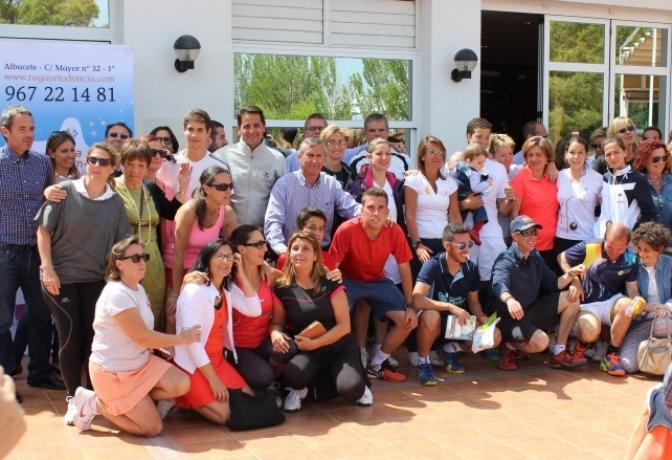 El Club Los Llanos celebró con éxito su primer trofeo de tenis y pádel a beneficio de AFANION