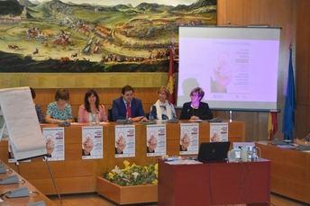 El Centro de la Mujer de Almansa celebró su vigésimo aniversario con un taller de innovación social