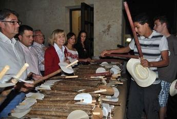 Carmen Bayod reaparece en un acto multitudinario para felicitar las fiestas de San Juan a los albaceteños