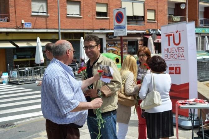 El PSOE de Albacete instaló una mesa informativa en el Barrio Hospital