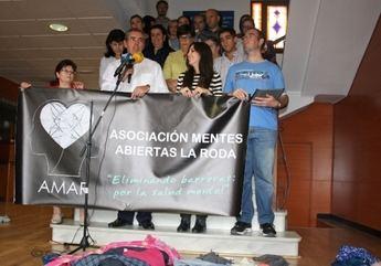AMAR conmemora el Día  Mundial de la Salud Mental con una concentración simbólica en el Ayuntamiento de La Roda