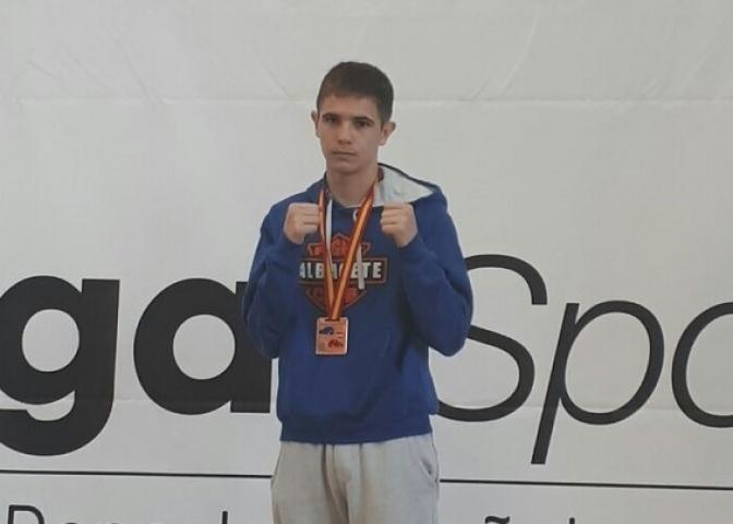 El albaceteño Kike García conquista el bronce en el Nacional de Clubes de boxeo