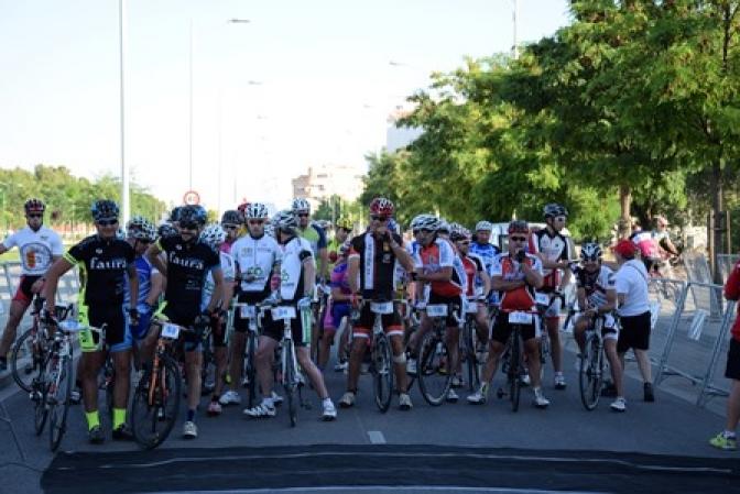 Miguel Galletero se impuso en la sexta edición del Memorial Salva Gallardo de ciclismo
